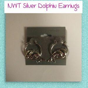 NWT Silver Dolphin Earrings!🐬🐬🐬